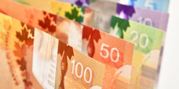Le dollar canadien est affaibli par les derniers chiffres sur le