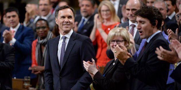 Le tiers des nouveaux revenus du gouvernement Trudeau pour les familles, les travailleurs et les