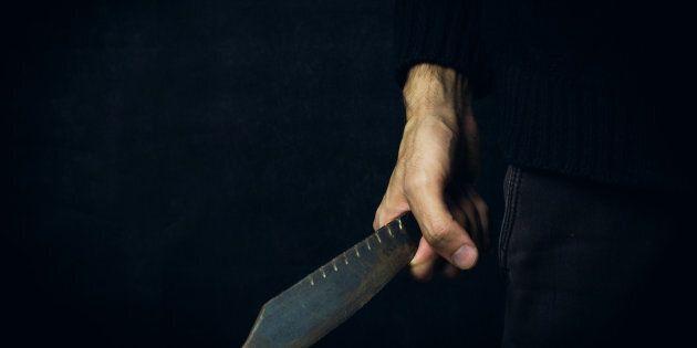 Montréal: une femme agressée au couteau sur la rue par un individu qui a pris la