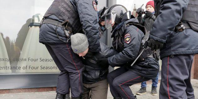 Plusieurs centaines de manifestants anti-Poutine arrêtés dans toute la