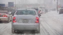 La neige et le vent affectent les conditions routières au