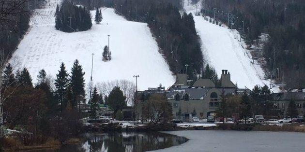 Sommet St-Sauveur jeudi. Quelques skieurs malgré le temps