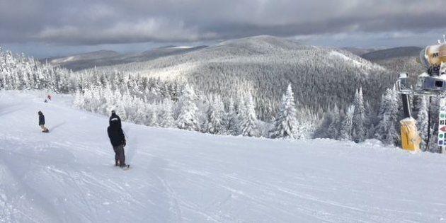 Le sommet du Mont Tremblant mercredi, toujours photogénique avec ses arbres givrés et couverts de neige.