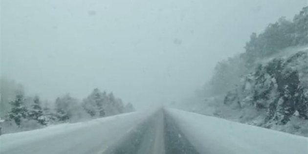 Des routes sont fermées dans l'est du Québec en raison de la tempête de