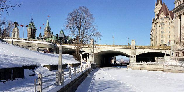 Ottawa cumulait un déficit budgétaire de 6,3 milliards