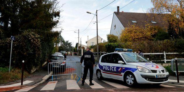 France: un policier en instance de séparation tue 3 personnes et se