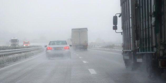 Neige, verglas et poudrerie sur le Québec samedi: attention sur les