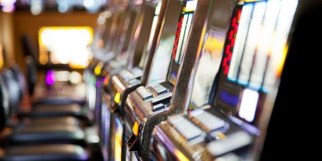 Un Montréalais gagne 1,8 M$ en misant 30$ dans une machine à sous du Casino de