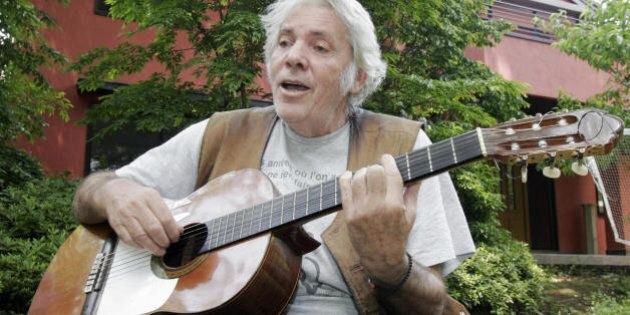 TO GO WITH FRENCH STORY 'JAPON-FRANCE-CHANSON-CULTURE' French chanson singer Pierre Barouh sings to the...