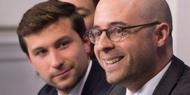 Les militants de Québec solidaire approuvent la fusion avec Option