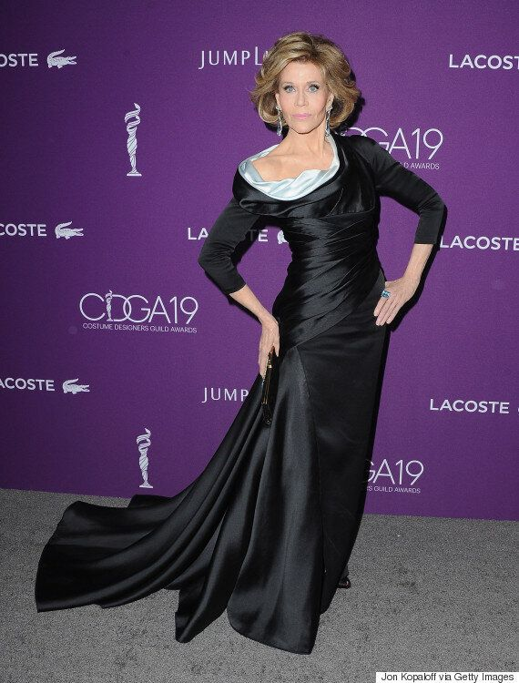 L'actrice Jane Fonda sublime sur le tapis rouge des Costume Designers Guild