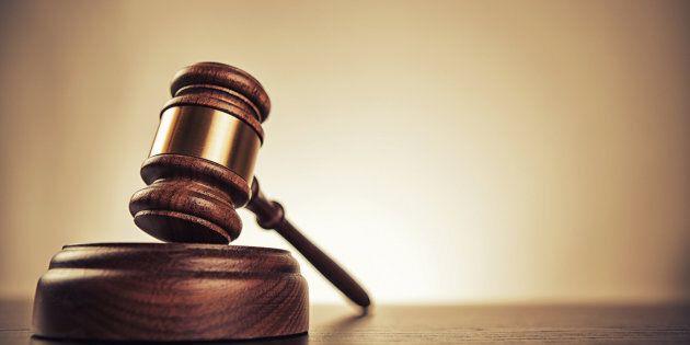 Un couple est reconnu coupable d'avoir forcé une nounou à