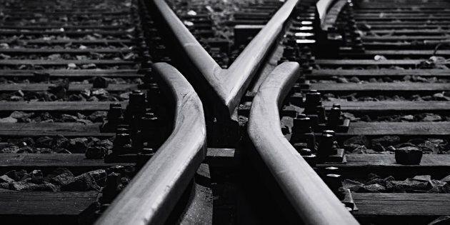 Une partie d'un pont ferroviaire s'est effondrée à