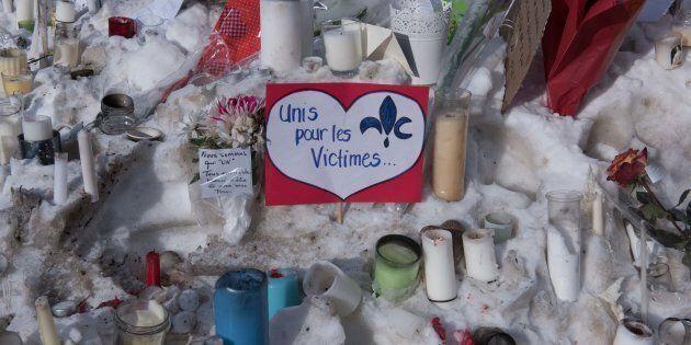 Des messages laissés près du lieu de la fusillade en janvier