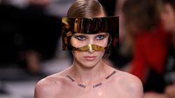 Au défilé Dior, des «tatouages colliers » avec proverbes d'André