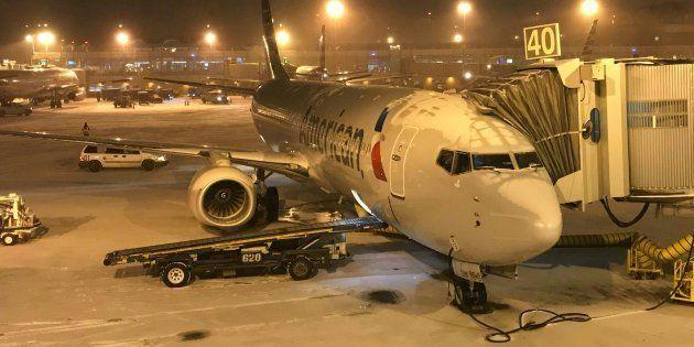 Un avion à l'aéroport Ronald Reagan près de Washington,