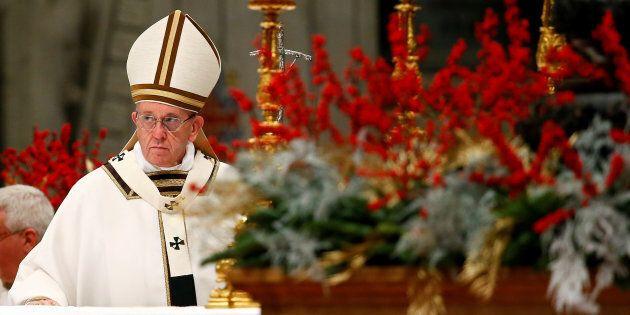 Dans son sermon de Noël, le pape invite à considérer la situation de migrants de la Sainte Famille dans...
