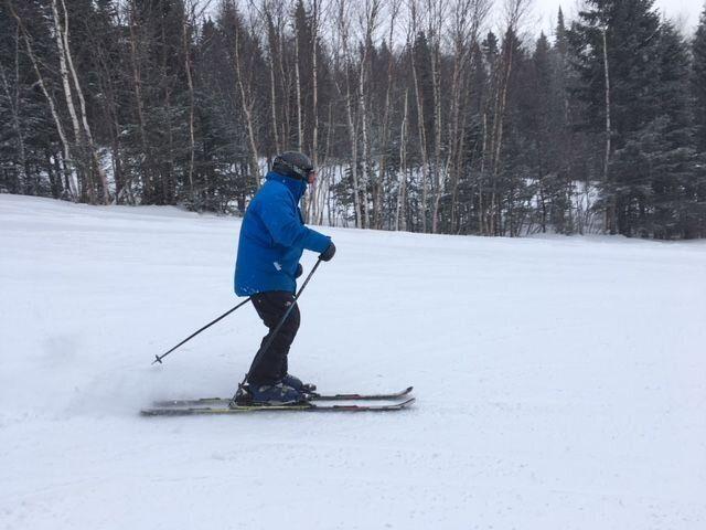 Bob Marcotte du Mont Grand Fonds skie toujours bien à 91 ans.