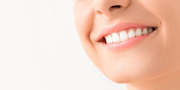 Congédiée pour «manque de sourire», le tribunal ordonne de