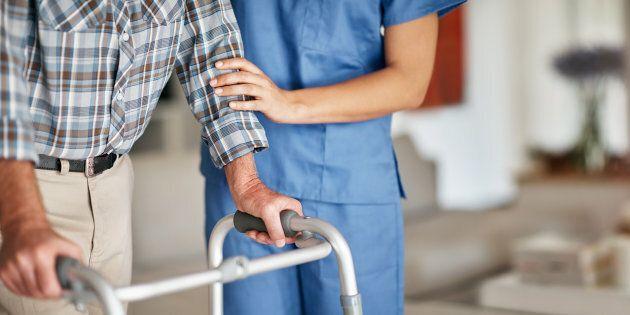 Après les infirmières, les préposés aux bénéficiaires sonnent aussi