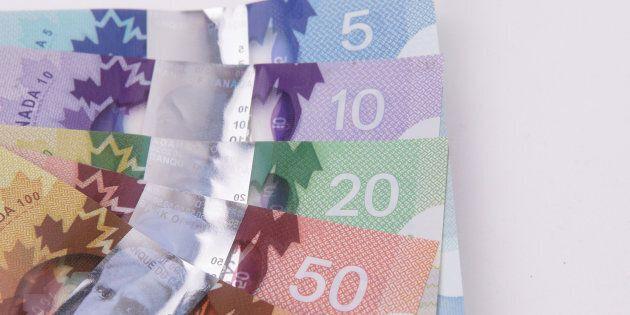 Le gouvernement du Québec hausse le salaire minimum à 12 $ de