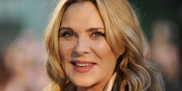 L'actrice Kim Cattrall annonce la mort de son frère après avoir signalé sa