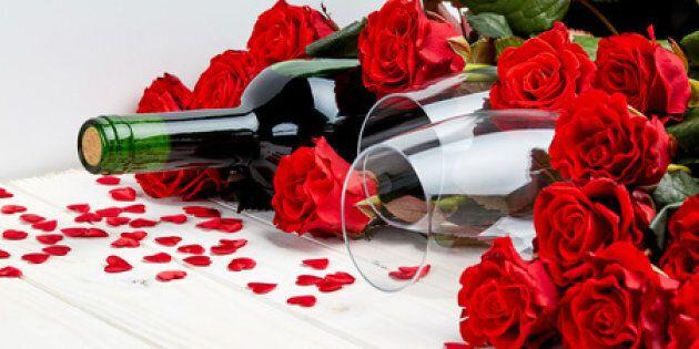 Bouteille de vin et roses