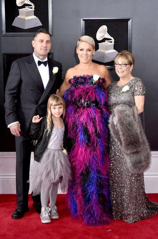 Pink a foulé le tapis rouge des Grammy Awards en famille et c'était tellement