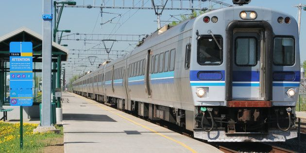 Retard des trains entre Montréal et Deux-Montagnes: une pétition est