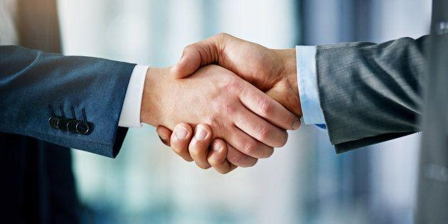 Négociations: les menaces pour le personnel, l'argent pour les