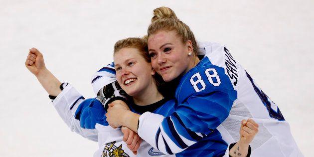 Hockey féminin: la Finlande remporte le bronze en battant la