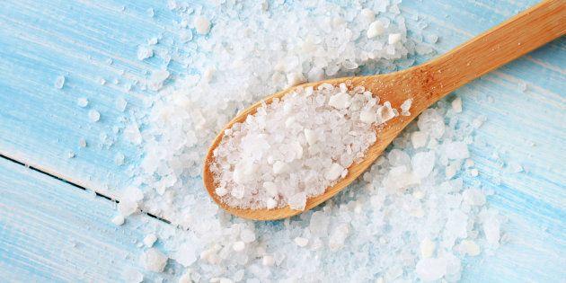 Le sel de mer est plus santé que le sel de table ?