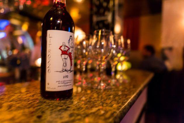 Femme à la Fontaine : le nouveau bar à vin de la Petite Italie délicieusement