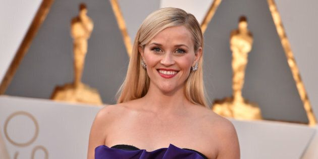 Reese Witherspoon arrives at the Oscars on Sunday, Feb. 28, 2016, at the Dolby Theatre in Los Angeles....