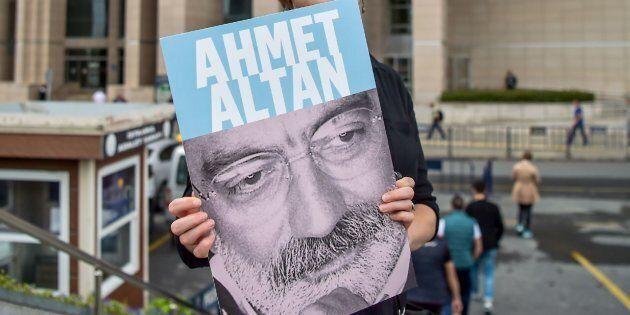 Prison à vie pour trois journalistes en lien avec le putsch manqué en