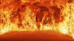 Un incendie rase un immeuble en construction de