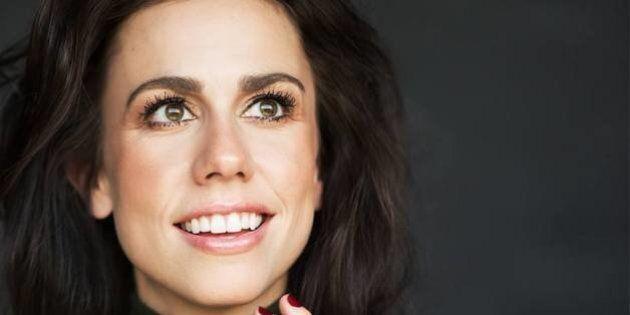 Julie St-Pierre revient sur scène 14 ans après Mixmania