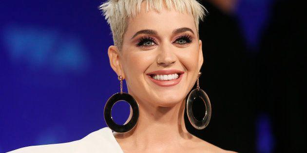 Le participant d'«American Idol» précise ses propos sur le baiser échangé avec Katy