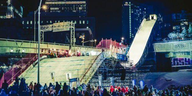 Québec reçoit ce week-end les finales de la Coupe du Monde «Big Air» sur ce spectaculaire tremplin en plein centre-ville.
