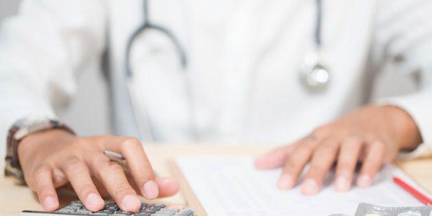 Quels critères pour penser le salaire des médecins?