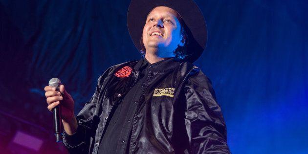 Le leader d'Arcade Fire Win Butler croit que les jeunes américains doivent s'inspirer du printemps