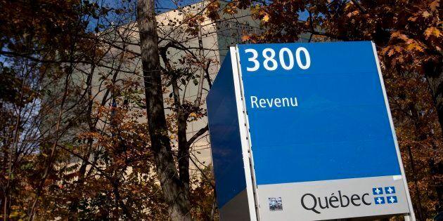 Manifs des professionnels devant Revenu Québec dans 10 villes