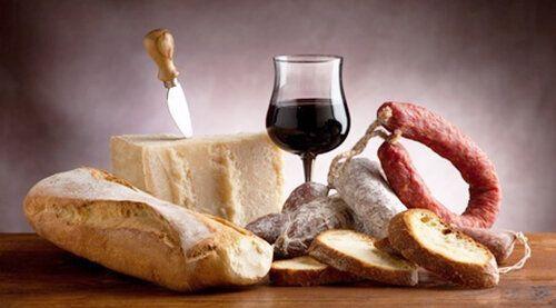 10217817 - italian salami parmesan cheese bread and wine