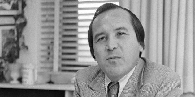 Len Marchand, premier membre des Premières Nations à avoir été élu au Parlement, est