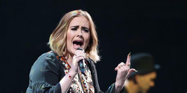 Ces vidéos d'Adele qui danse sur du Beyoncé donnent envie de