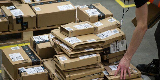 Des employés d'Amazon au Royaume-Uni feraient pipi dans des bouteilles par peur d'être punis s'ils prennent...
