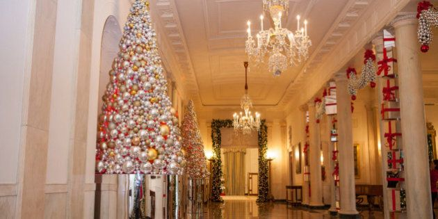 In the Grand Foyer of the White House, the theme is: