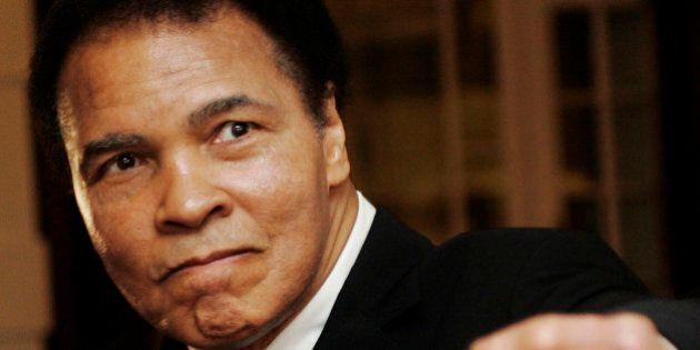 L'ex boxeur Mohamed Ali est hospitalisé pour un problème