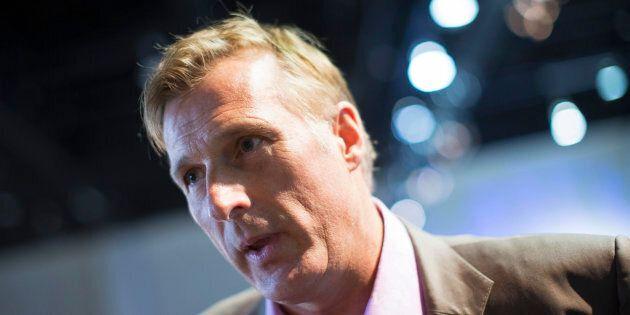 Maxime Bernier annule la parution du livre où il critique Andrew
