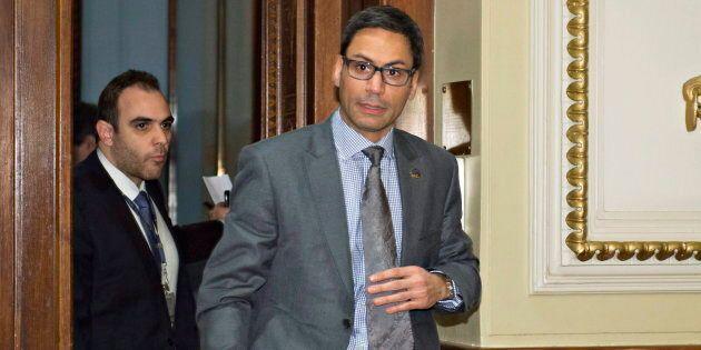 Le député de Laurier-Dorion, Gerry Sklavounos, aurait entretenu une relation inappropriée avec une jeune